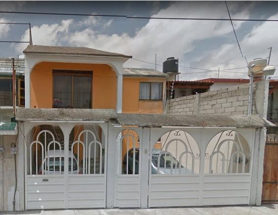 Amplica Casa 2 Niveles En Coacalco! Remate Bancario