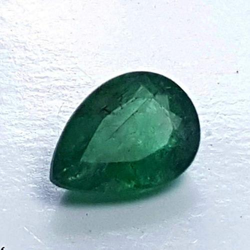 Belíssima  Esmeralda 100% Natural , Lapidação Gota. 1,7cts