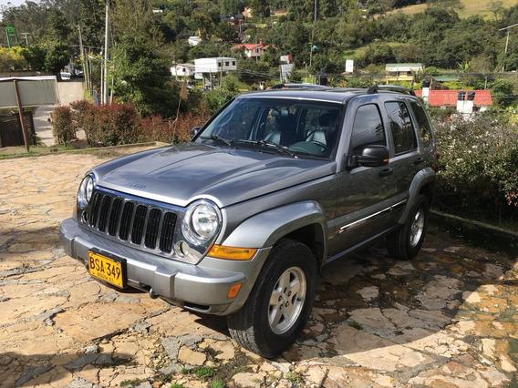 Jeep Cherokee Liberty Limited 2005, Motivo: Cambio De Pais.