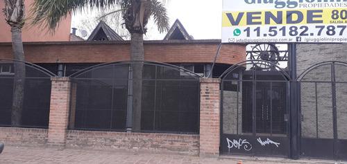 Imagen 1 de 12 de Local Comercial Con Deposito En Moreno Sobre Acceso Oeste
