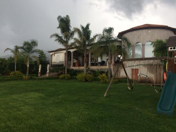 Casa-finca De 5 Habitaciones En 5000 M2