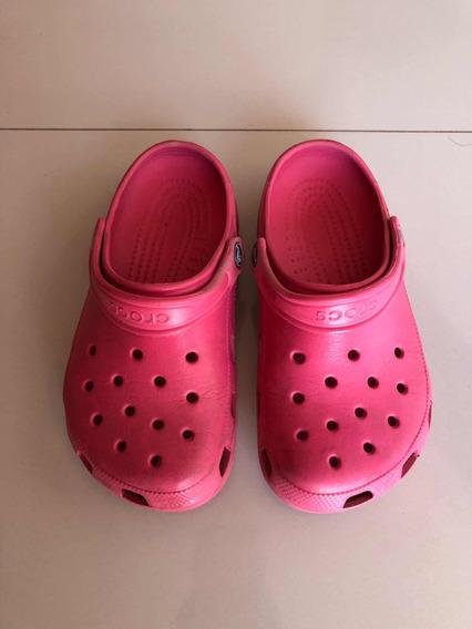 Crocs Fucsias