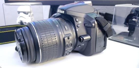 Nikon D5300 + Lentes: 18-55mm, 50mm, 55-300mm + Brinde