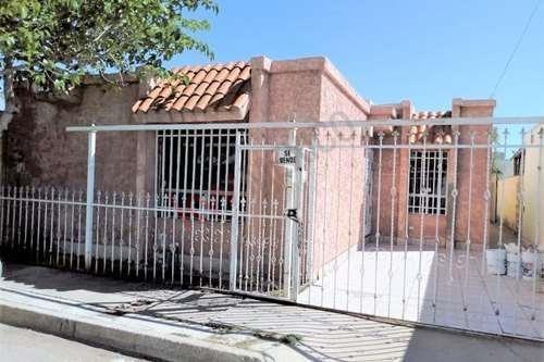Excelente Casa De Un Piso En Fracc Minerva Amplio Patio