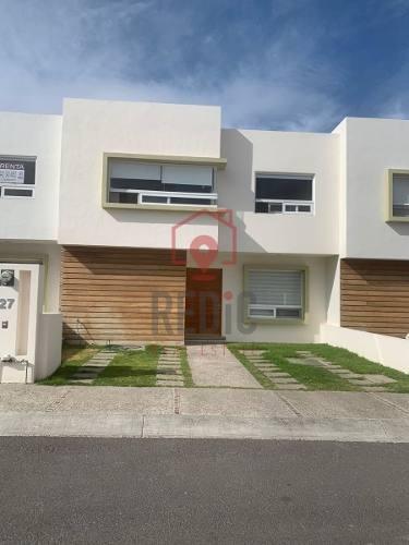 Casa De 3 Hab. En Valle De Juriquilla