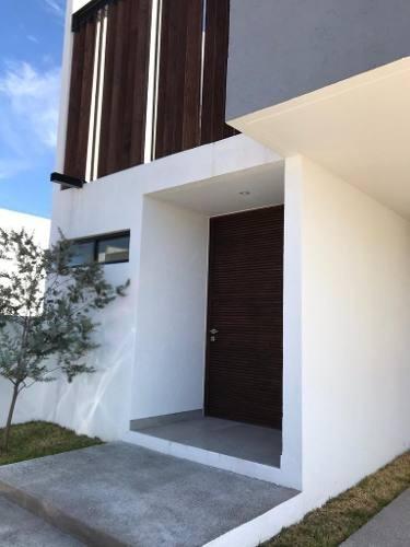 Se Renta Casa En La Cima, 3 Habitaciones, Jardín, Estudio..