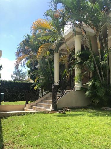 Casa 2 Niveles En Alameda - Res. Privado