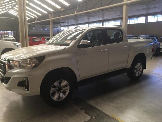 Toyota Hilux 4x4 Dc Srv 2.8 Tdi 6at Ls