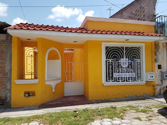 Casa En Venta De 1 Planta Equipada Y En Perfecto Estado