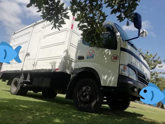 Flamante Camion Hino Dutro 300 616