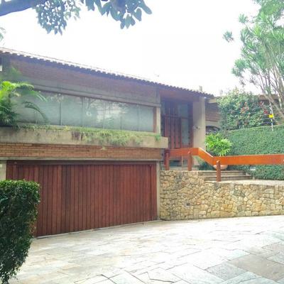 Casa Térrea Com 4 Dormitórios, 2 Suítes, Rica Em Paisagismo, 04 Vagas, Varanda, Piscina. - 226-im72489