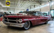 Pontiac Pontiac Custom
