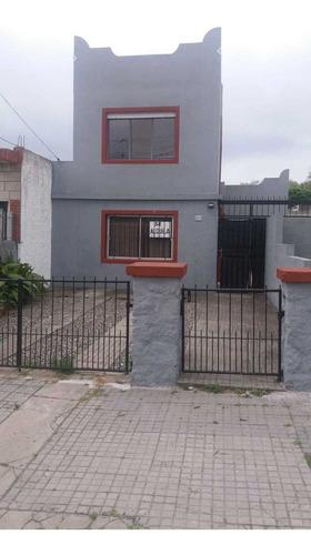 Imagen 1 de 12 de Alquilo Casa  2 Dormitorios En Sayago.. Reservada.