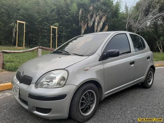 Toyota Yaris .