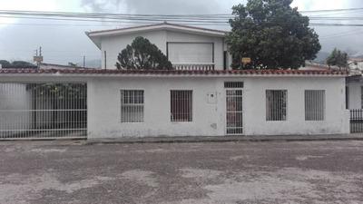 Casa. Alquiler, San Cristobal