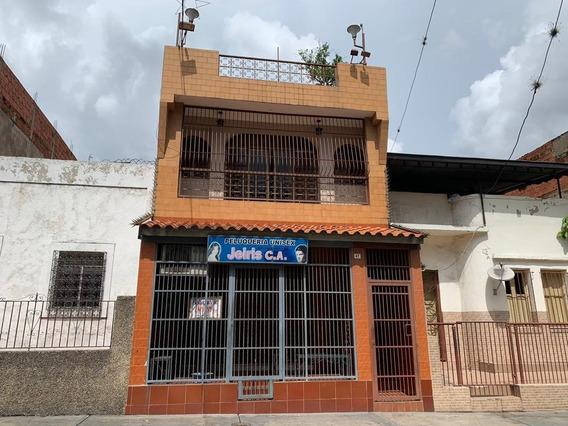 Marlyn Salas Vende Casa En Catia Mls #20-13562