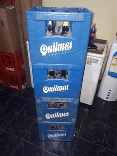 Cajón De Cerveza Y Botellas Vacias