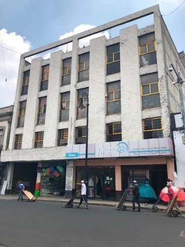 Edificio De Productos Y Habitacional En Col. Centro