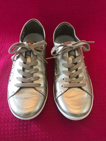 Tênis Mr Foot, Em Couro Dourado, Com Cadarço, Confortável