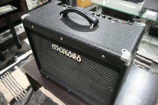 Cubo De Guitarra Meteoro Valvulado Modelo Mgv-30