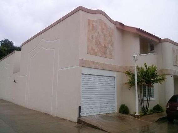 Villa Cerrada En Venta En Juana De Avila Mcbo Api 28774nm 28