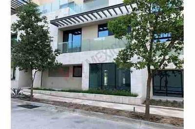 Casa En Venta A Estrenar En Exclusivo Distrito Arboleda En Valle Del Campestre, 534 M2, Dos Plantas, 3 Recamaras, 3 Cajones