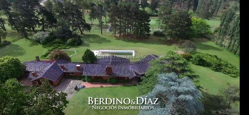 Extraordinaria Casa Con 10.000 M2 De Terreno Sobre Cancha De Golf- Ref: 342