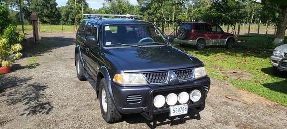 Mitsubishi Montero Nacional