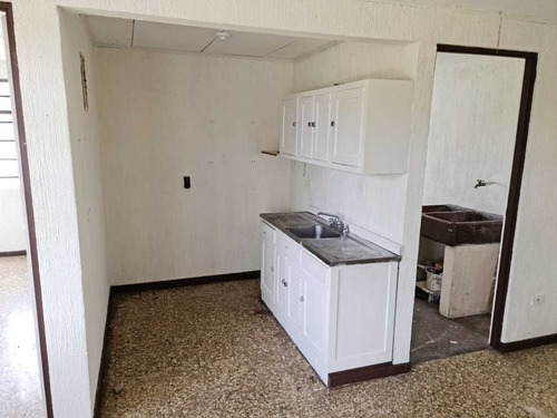 Apartamento Alto De Guadalupe, 1 Dormitorio