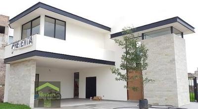 Casa En Venta En Pedregal San Luis Potosi. Seguridad 24/7. Jardín Enorme