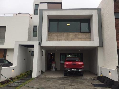 Residencia A Estrenar Con Roof Garden En Venta En Las Villas Sobre Lopez Mateo