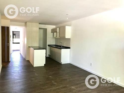 Vendo Apartamento De 2 Dormitorios, Garajes Opcionales, Centro