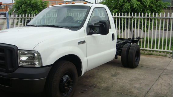 Camion Ford Triton F-350 4x2 Motor V8