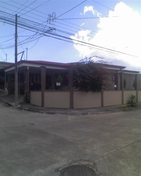 Se Alquila Casa En Residencial Exclusivo En Heredia