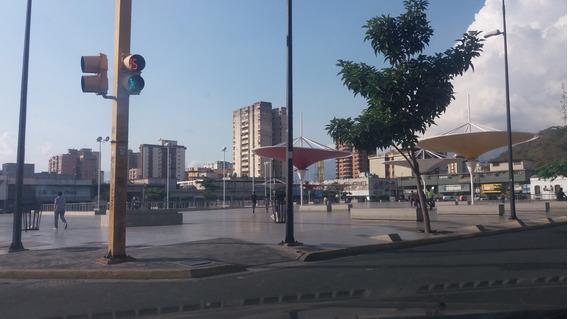 Oficina Av. Bolivar 04243691710