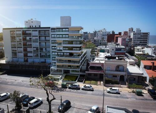 Venta  Apartamento 3 Dormitorios  2 Baños   Malvín
