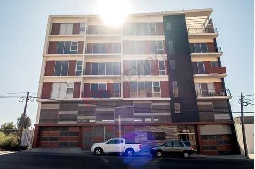 Departamento 203 En Renta En Zona Victoria, Excelente Ubicación, Fácil Acceso A Diferentes Puntos De La Ciudad