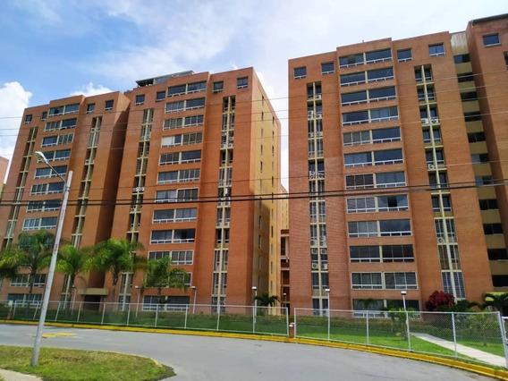 Apartamento En Venta El Encantado 2h- 2b- 1p