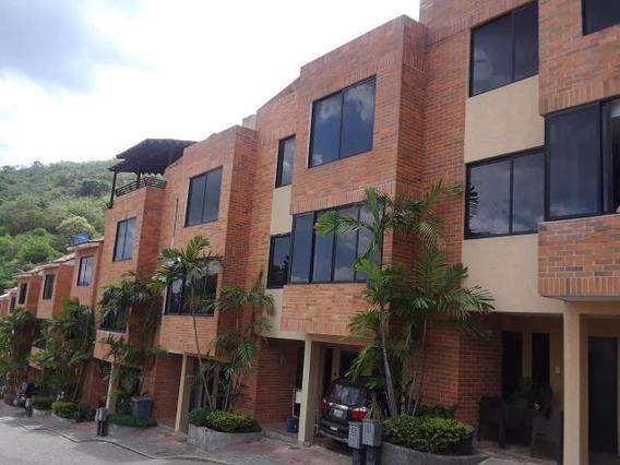 Townhouse En Venta En Lomas Del Este Valencia 20-19754 Raga
