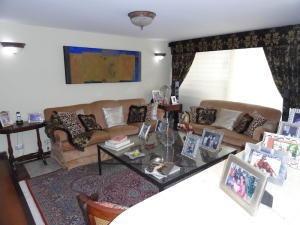 Alquiler De Apartamento En Las Esmeraldas / Ac 20-8570