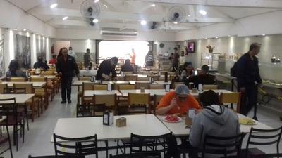 Restaurante E Churrascaria A 50 Mts Da Rua 25 De Marco