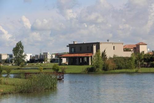 Casa  En Venta  En San Benito, Villanueva, Tigre