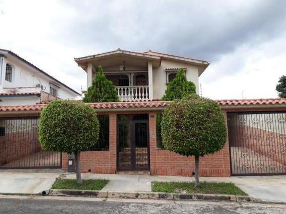 Casa En Venta El Trigal Norte Valencia Codigo 19-12503 Dag