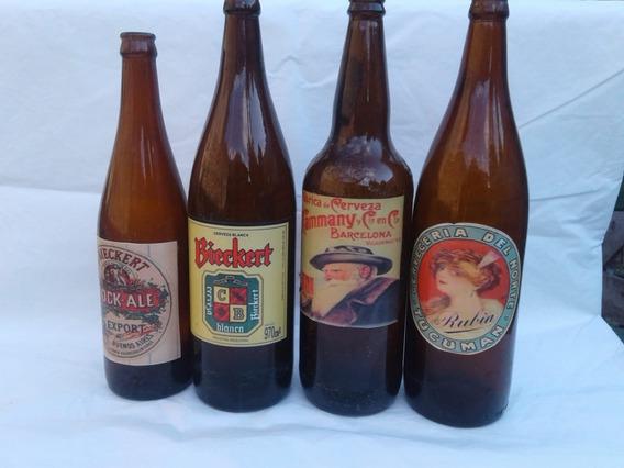 Botellas De Cerveza Con Reproducciones De Etiquetas Antiguas