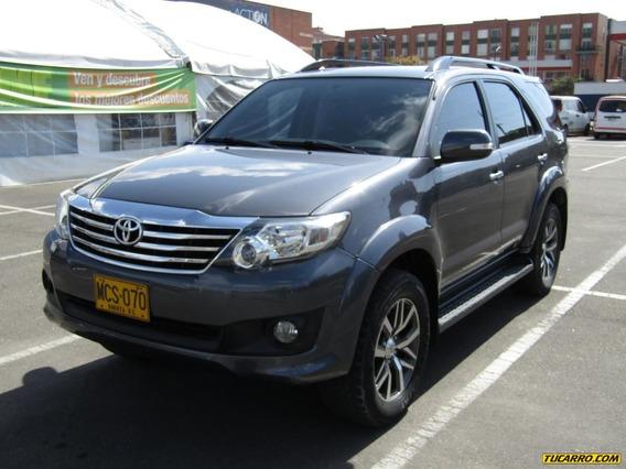 Toyota Fortuner 4 Por 4