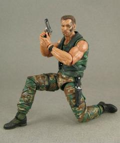Boneco Arnold Schwarzenegger