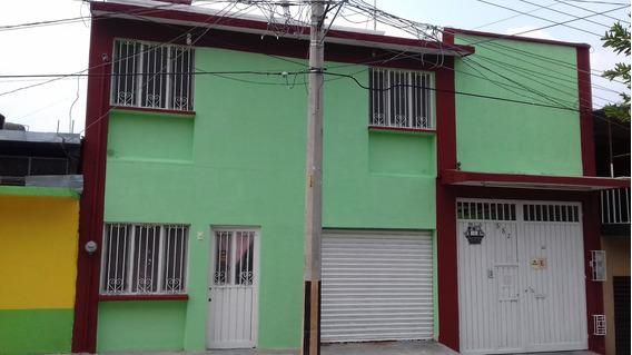 Vendo Casa Grande Bien Ubicada Y Muy Accesible, Conservada.