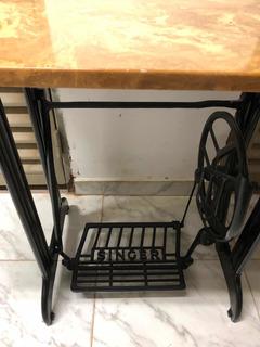 Mesa Antigua De Máquina De Coser Restaurada