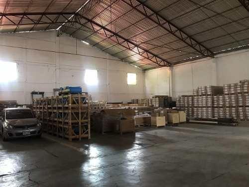 Venta De Bodega Industrial Atrás Del Aeropuerto De La Ciudad