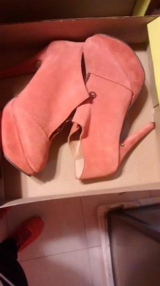 Dos Zapatos Pie Izquierdo Gamuza Rosado